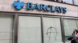 Apple brings its payment service to the UK, but Barclays refuses to join in