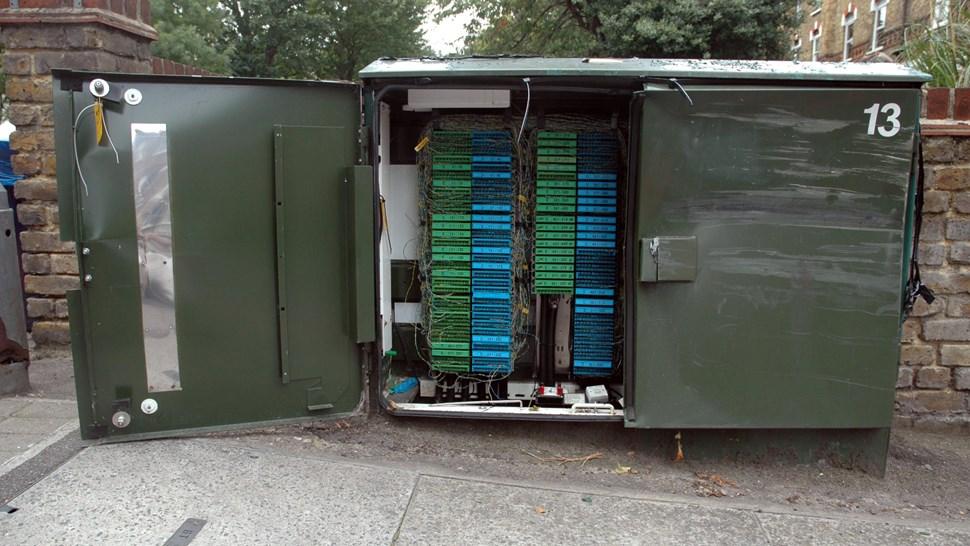 Broadband cabinet