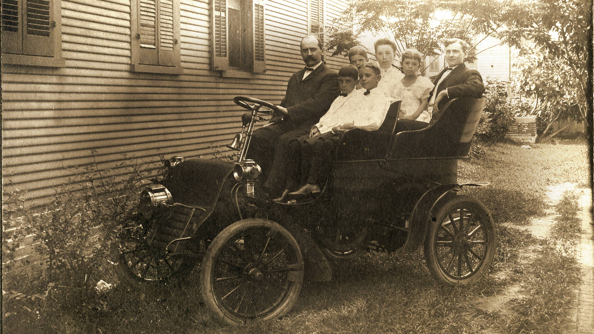 car 1903 cadillac 5044?w=970 with the car industry being disrupted from all sides, time to get  at readyjetset.co