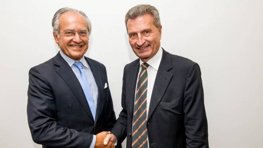 ACEA Secretary General, Erik Jonnaert, and Commissioner Günther Oettinger, fresh from today's early morning meeting © ACEA