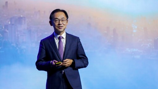 Ryan Ding, Huawei's Executive Director and President of Carrier BG, delivering a keynote speech during MBBF 2018 in London.  Source: Huawei