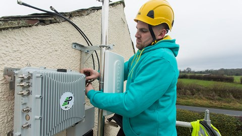 EE to deploy small cell networks to connect rural locations in the UK