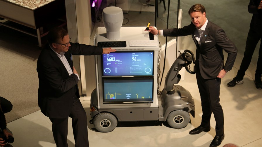 Ericsson CEO Hans Vestberg with 2015-era 5G... what will 2016 bring? © Ericsson
