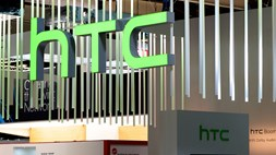 HTC slides into deeper trouble