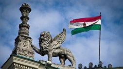 Hungary levies the Internet: the world cries foul