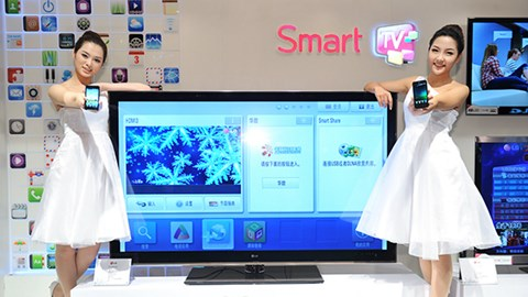 Samsung smart TVs not only record conversations, they share them over the Internet with everyone else