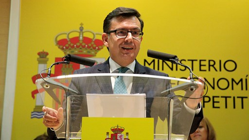 Any more bids? Roman Escolano, Spain's Economy Minister © MINECO