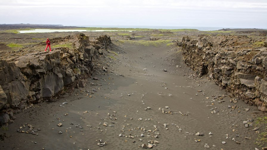 Tectonic Plates: all that separates Europe from America © flickr/CC-licence/Vytautas Serys