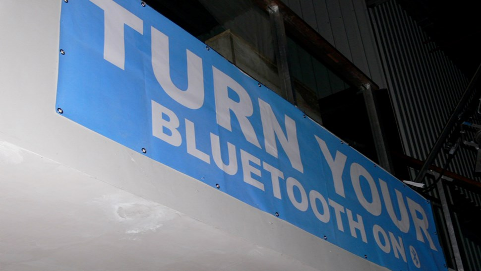 turn on yr bluetooth