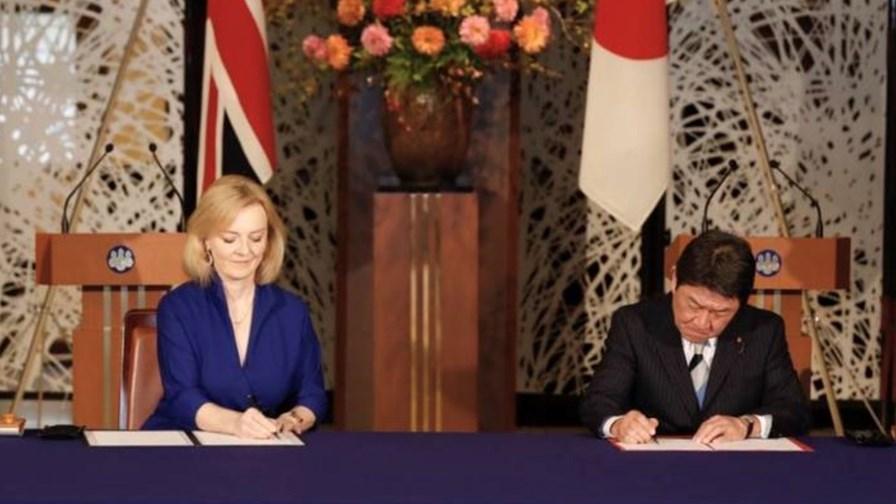 UK International Trade Secretary  Liz Truss and Japan's Foreign Minister Motegi Toshimitsu