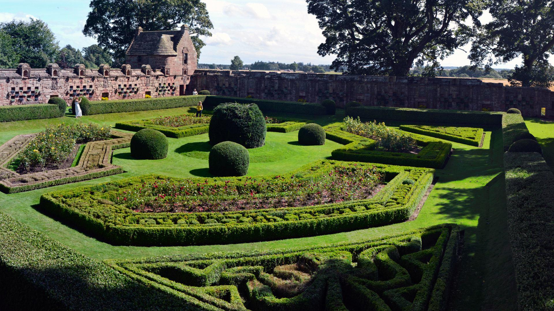 Merveilleux Walled Garden