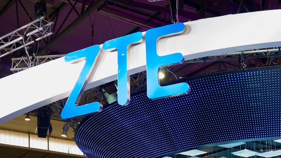 ZTE logo booth
